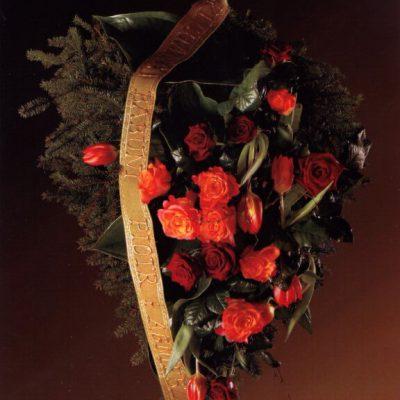 wiązanka z czerwonych kwiatów